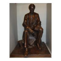 Image: Abraham Lincoln Seated Figure