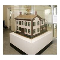 Image: Scale model of Lincoln's Springfield, Illinois, house