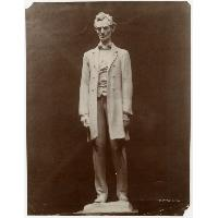 Image: Beardless Abraham Lincoln statue photograph