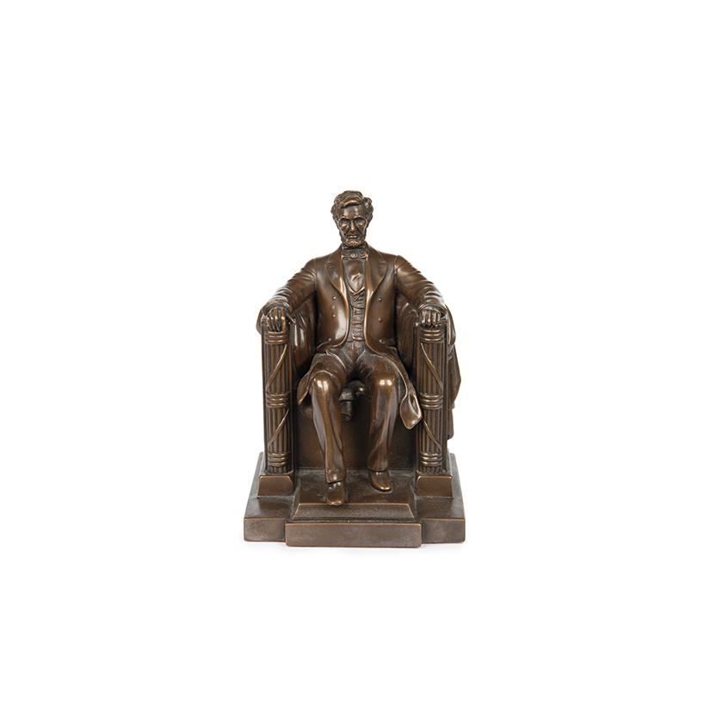 Image: Abraham Lincoln Figurine